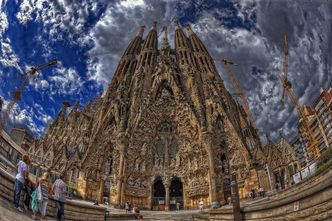 Get the audioguide at Sagrada Familia