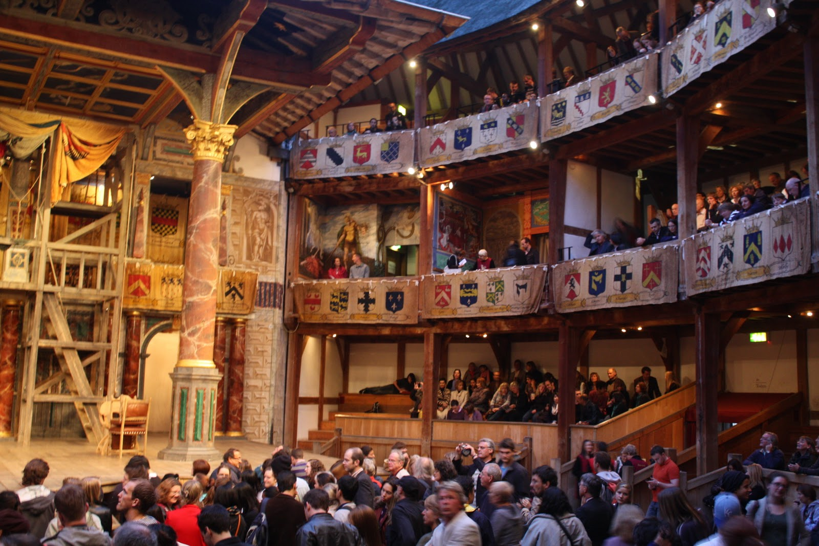 See a show at the Globe Theatre